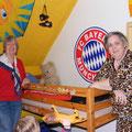 Irene Elbers + Gabriele van den Burg in Leon`s Zimmer