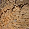 le prieuré de Molhet, arcatures lombardes