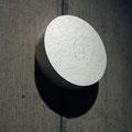 One rice_φ11.0cm_麻紙、パール顔料_2013