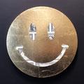 One dollar smile_φ33,3cm_麻紙、1ドル紙幣、金属箔_2019