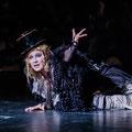 "Julia Lißel als ""Bettlerin"" in SWEENEY TODD - Musikalische Komödie Leipzig ©Kirsten Nijhof 2021"