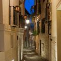 Panorámica nocturna del callejón