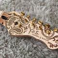 このギターの美しさが凝縮された素晴らしいデザインのヘッド