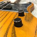 圧倒的な操作感を誇るHATAのストレートノブは、演奏者に向けて10°傾けて取り付けることで、操作性を向上させている。