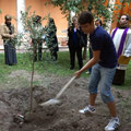"""Калоян засажда маслиновото дръвче в църквата """"Св.Андрей край трънките"""" в Рим, по повод 340 години от смъртта на Петър Парчевич"""