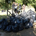 Il frutto del lavoro...tanti tanti sacchi di spazzatura!