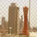 ミナト神戸のシンボル、ポートタワー。独特のフォルムと赤い色が印象的です。