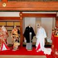 高台寺秋の特別展「琳派と祝言」方丈の間での婚礼衣装の着付け展示。