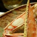 兵庫県城崎温泉の蟹料理。焼き蟹の一皿。