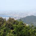 奥宮神社琵琶湖展望台からの景色。残念ながら琵琶湖はほとんど見えませんでした。