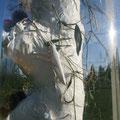 Heuschrecken, Hirschkäfer und anderes Getier hinter Plexiröhre