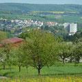 Kamera-Schwenk nach rechts: Bammental mit dem Hochhaus auf dem Heldenberg (zwei weitere konnten verhindert werden)