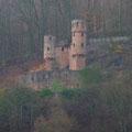 Die jüngste der 4 Burgen von Neckarsteinach          - Foto P. Welker