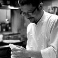 シェフの中川浩行氏 音楽についての知識が凄い、ドラムを叩く