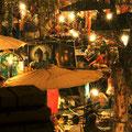 Der berühmte Nightbazaar lädt zum shoppen ein. Viele handgemachte Souvenirs kommen aus dieser Region und man kriegt sie hier für wenig Geld