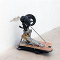 'untitled (givin' head), bass drum machine, springs, wood, varnish, screws, ram skull, paint, 50 x 54 x 37 cm, 2012