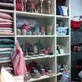 Kissen, Geschirr von Pip Studio und Taschen von Reisenthel