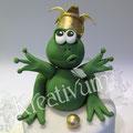 Grüner Frosch mit goldener Krone aus Fondant