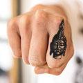 Tatouage Bouddha doigt