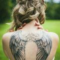 Tatouage ailes ange dos femme