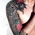 Tatouage fleurs roses avant bras