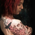 Tatouage epaule femme haut du dos