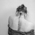 Tatouage colonne vertébrale sur le dos