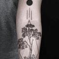 Tatouage bras arbre
