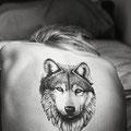 Tatouage dos loup