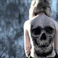Tatouage tête de mort sur tout le dos