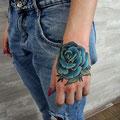 Tatouage rose bleue