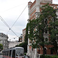 A streetcar in front of Rossauer Kasserne.