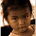 Meisje bij Lotusfarm