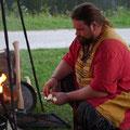 Darri kümmterte sich 26 Stunden am Tag ums Feuer...