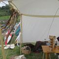 """Am Sonntag änderte sich das Wetter dann schlagartig auf """"irisch"""" - zehn Windstärken forderten unserer Zeltkonstruktion einiges ab. Alles hielt und wir konnten sogar noch trocken abbauen. Nächstes Jahr sind wir wieder mit dabei!"""