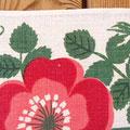 花びらのところにプリント時に糸かすが載っていて色が載ってないところがあります