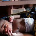 Jüngste Bewohnerin des Dorfes – geboren in unserer Geburtsstation