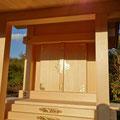 木曽桧で製作された外祭用の神棚社殿