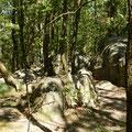 le site insolite des roches qui dansent