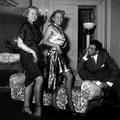 """... qui va jouer """"La belle de Cadix"""" au Theatre de l'Empire a Paris le 3 decembre 1949"""