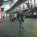 Mike hatte uns zum Leipziger Flughafen gebracht