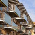Grands balcons extérieurs équipés de store textile