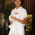 Росс Хатчинс поразил гостей не только своими кулинарными талантами, но и сногсшибательной улыбкой!