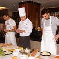 Прошлогодние победители турнира англичане Колин Флеминг и Росс Хатчинс - герои кулинарного мастер-класса в отеле Коринтия.