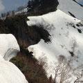 一旦下り登り返し 1771m 地点の岩場に到着