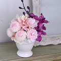 母の日仏花 テレサ1個¥6,000(税別) D18×H20cm