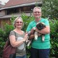 Cedric mit seinen neuen Besitzern Gabi und Rolf am 28.06.2014