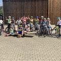 Die stolze Radfahrerinnen und Radfahrer !