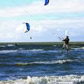 Kitsurfen auf der Nordseewelle