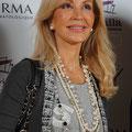 Carmen Lomana